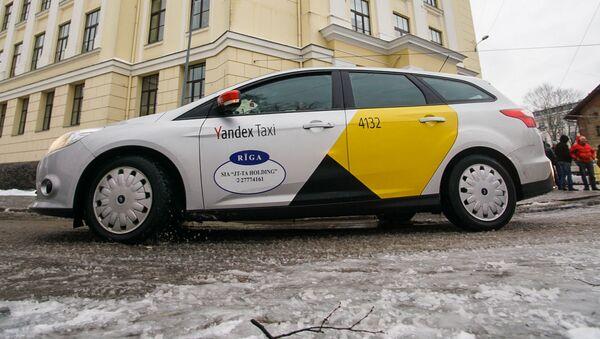 Пикет Латвийского профсоюза таксистов, 12 февраля 2019 - Sputnik Латвия