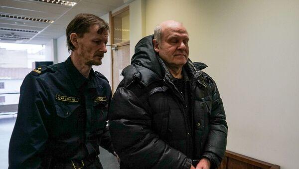 Подозреваемый в шпионаже в пользу РФ Олег Бурак в здании Видземского суда в Риге - Sputnik Латвия