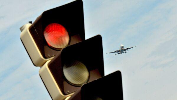 Самолет заходит на посадку - Sputnik Латвия