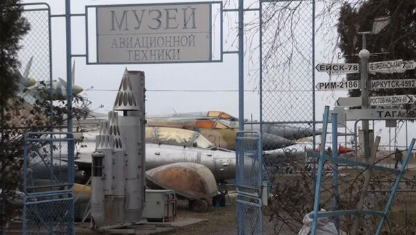 Летчики в отставке спасли военный аэродром в Таганроге - видео - Sputnik Латвия