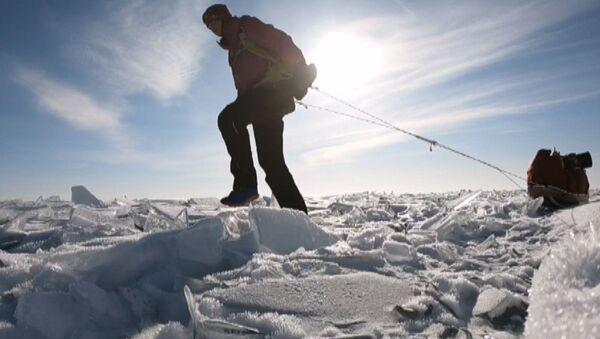 Шведка в одиночку пересекла Байкал - видео - Sputnik Латвия