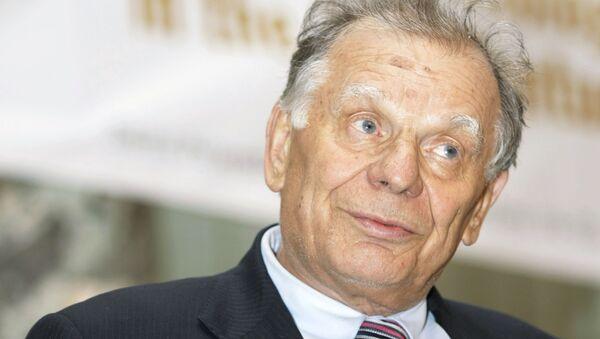 Лауреат Нобелевской премии по физике 2000 года Жорес Алферов - Sputnik Латвия