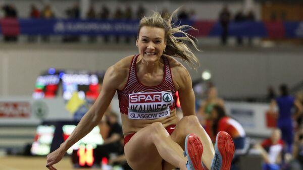Лаура Икауниеце выполняет попытку прыжка в длину на чемпионате Европы в Глазго 1 марта 2019 года - Sputnik Латвия