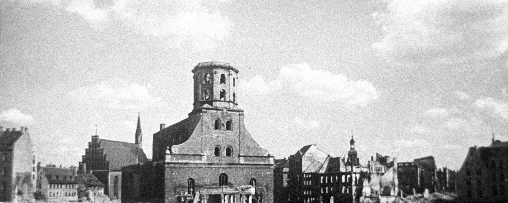 Ратушная площадь в Риге после отступления фашистов, октябрь 1944 года - Sputnik Латвия, 1920, 25.06.2021
