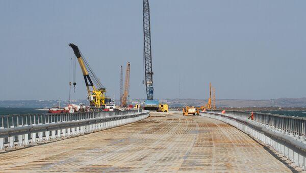 Подготовительные работы перед строительством Керченского моста в Тамани - Sputnik Latvija