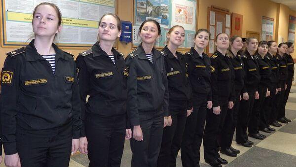 Девушки во флоте: как курсантки учатся на моряков - Sputnik Латвия