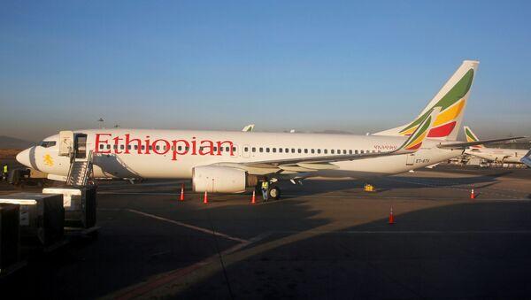 Самолет Эфиопских авиалиний Boeing 737-800 - Sputnik Латвия