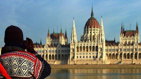 Здание Парламента в Будапеште, Венгрия - Sputnik Латвия