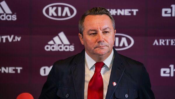 Главный тренер сборной Латвии по футболу Славиша Стоянович - Sputnik Латвия