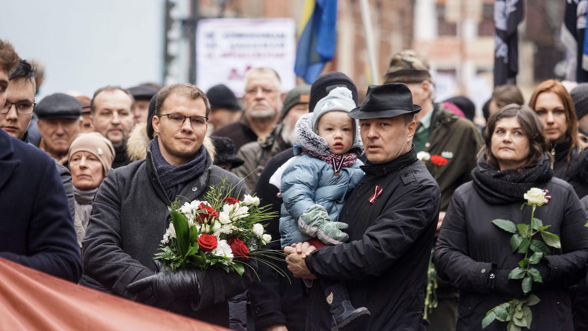 Депутат Сейма от Национального объединения Райвис Дзинтарс на шествии легионеров в Риге 16 марта 2019 - Sputnik Латвия, 1920, 08.06.2021
