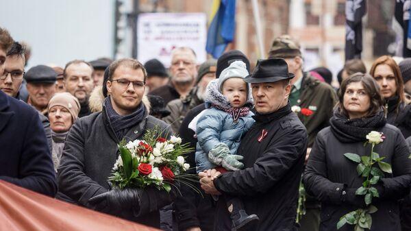 Депутат Сейма от Национального объединения Райвис Дзинтарс на шествии легионеров в Риге 16 марта 2019 - Sputnik Latvija