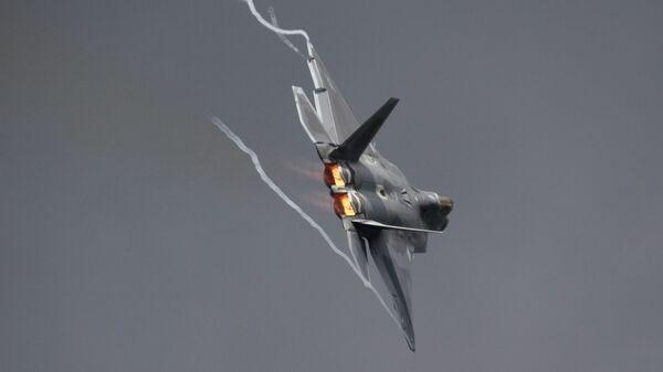 Многоцелевой истребитель F-22 Raptor - Sputnik Latvija