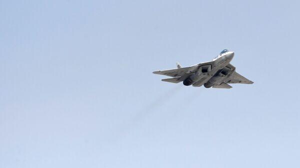 Многофункциональный истребитель Су-57 - Sputnik Latvija