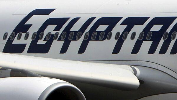 Самолет авиакомпании EgyptAir в Египте - Sputnik Латвия