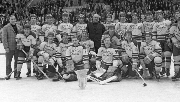Динамо - обладатель Кубка СССР по хоккею с шайбой 1972 года - Sputnik Латвия