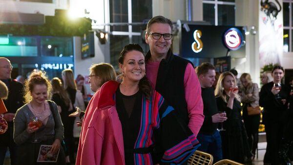 Депутат Сейма Мартиньш Бондарс с супругой Иевой - Sputnik Latvija