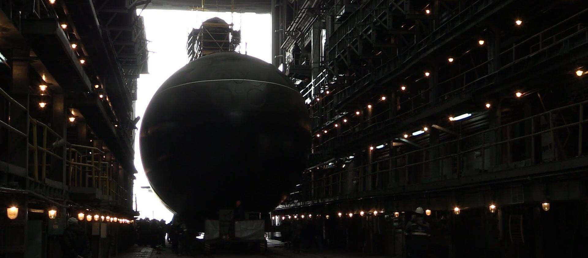Кадры спуска на воду первой подлодки для Тихоокеанского флота РФ - Sputnik Latvija, 1920, 30.03.2019