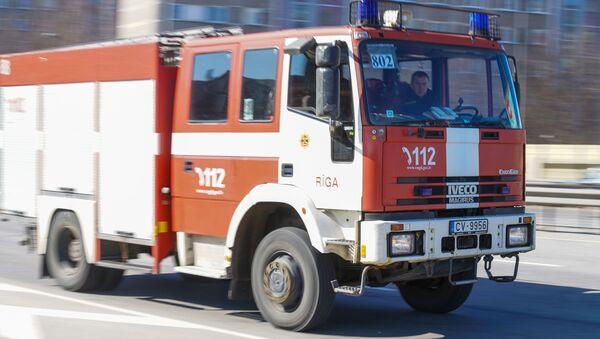 Автомобиль пожарной службы Латвии - Sputnik Латвия
