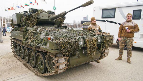 Международная выставка автоиндустрии Auto 2019. Бронетранспортер латвийской армии CVRT Zobens - Sputnik Latvija
