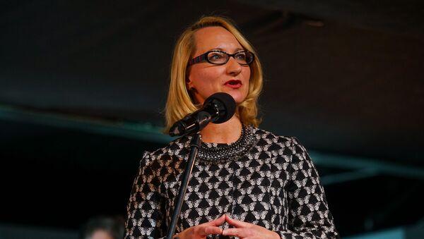 С речью к собравшимся обратилась министр культуры Даце Мелбарде - Sputnik Latvija