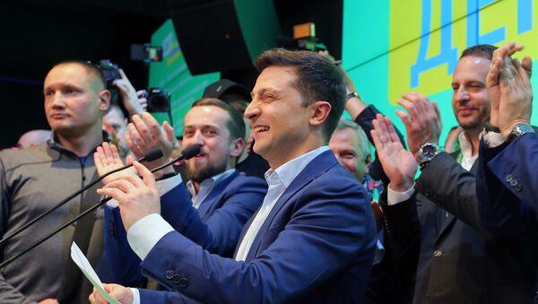 Второй тур выборов президента Украины - Sputnik Латвия