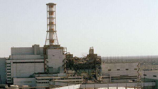 Вид на Чернобыльскую АЭС со стороны четвертого реактора, 1986 год - Sputnik Latvija