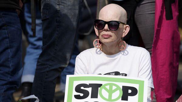 Акция противников загрязнения окружающей среды в Лондоне - Sputnik Latvija