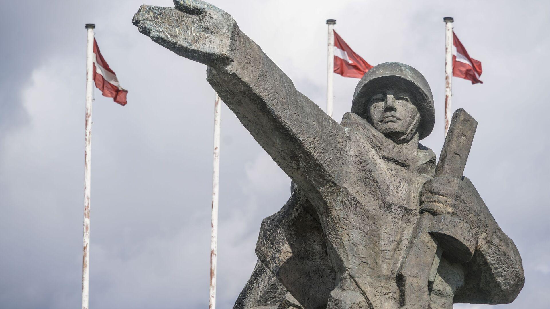 Памятник Освободителям Риги - Sputnik Латвия, 1920, 13.10.2021