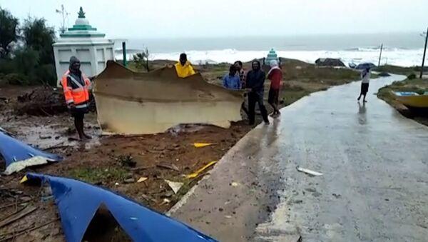 Мощный тайфун Фани обрушился на Индию - Sputnik Латвия
