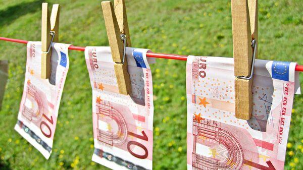 Евро на бельевой веревке - Sputnik Latvija