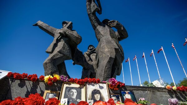 Памятник Освободителям в Риге - Sputnik Латвия