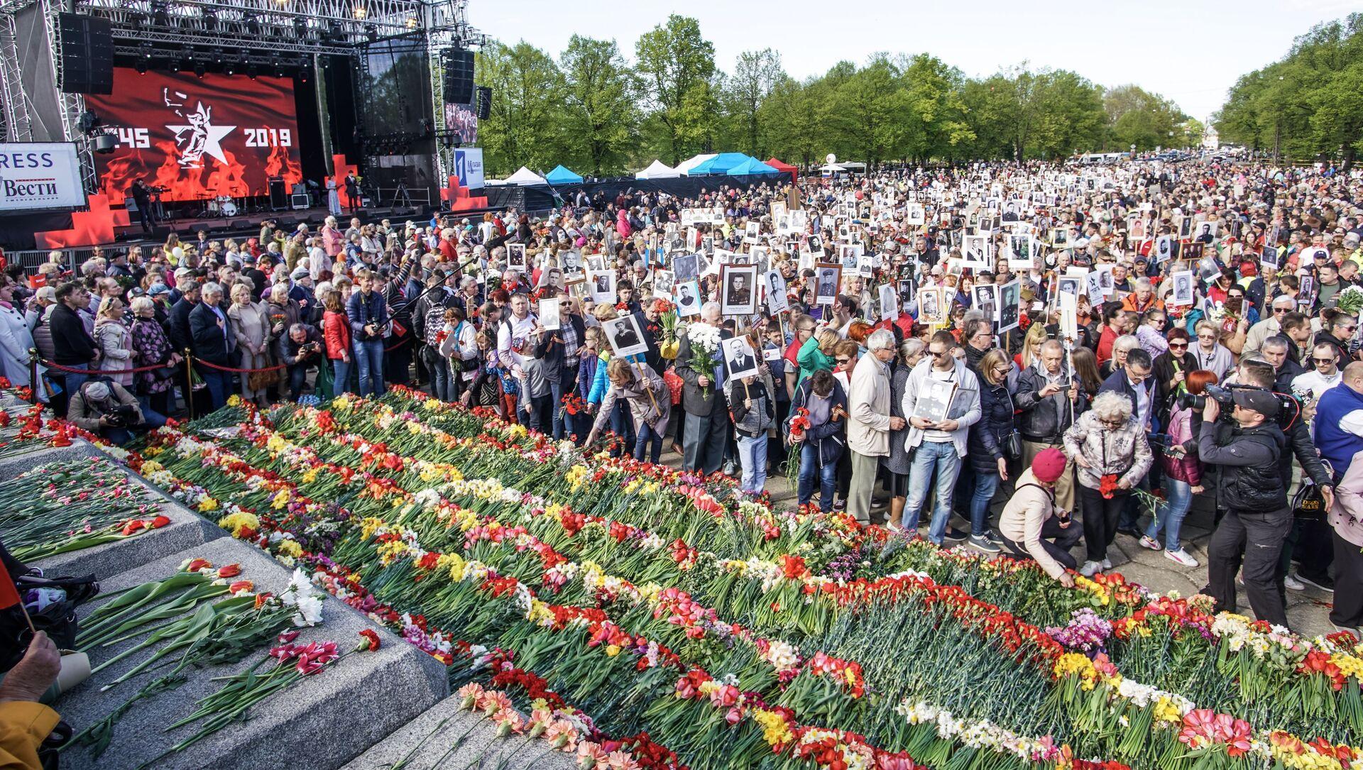 Акция Бессмертный полк в Риге, 9 мая 2019 - Sputnik Latvija, 1920, 06.05.2021