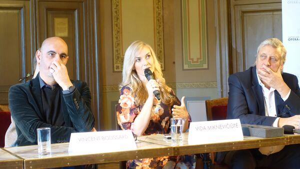 Винсент Буссар, Вида Микневичуте, Зигмар Лиепиньш на пресс-конференции - Sputnik Латвия