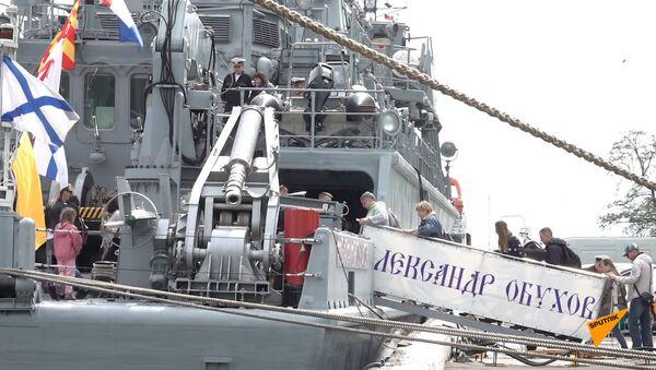 Балтийский флот России отмечает годовщину своего создания - Sputnik Латвия