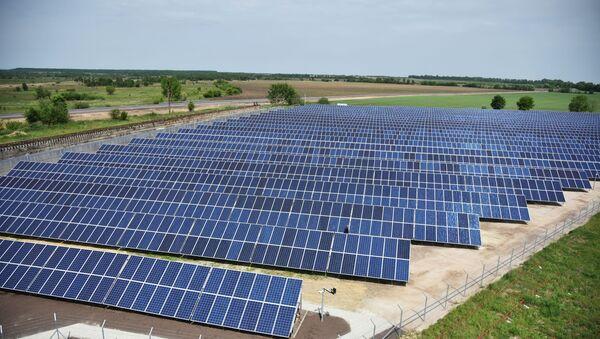 Открытие солнечной электростанции во Львовской области - Sputnik Latvija