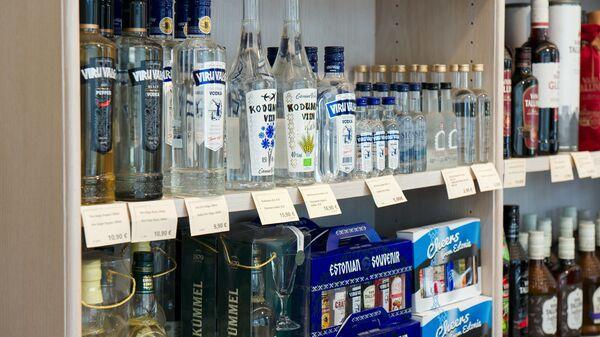 Полка с алкогольной продукцией - Sputnik Латвия