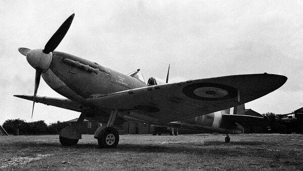 Британский истребитель времен Второй мировой войны Spitfire, архивное фото - Sputnik Latvija