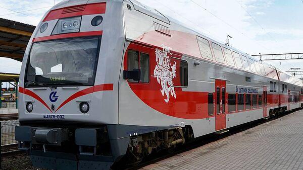 Поезд литовской железной дороги, архивное фото - Sputnik Latvija