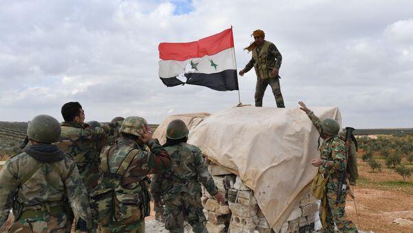 Передовые позиции сирийской армии в районе Алеппо - Sputnik Latvija