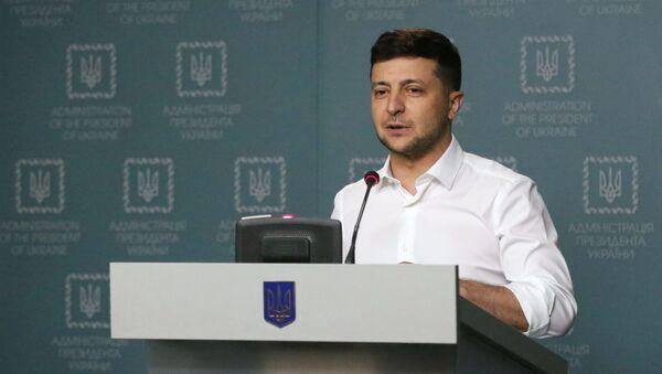 Президент Украины Владимир Зеленский - Sputnik Latvija