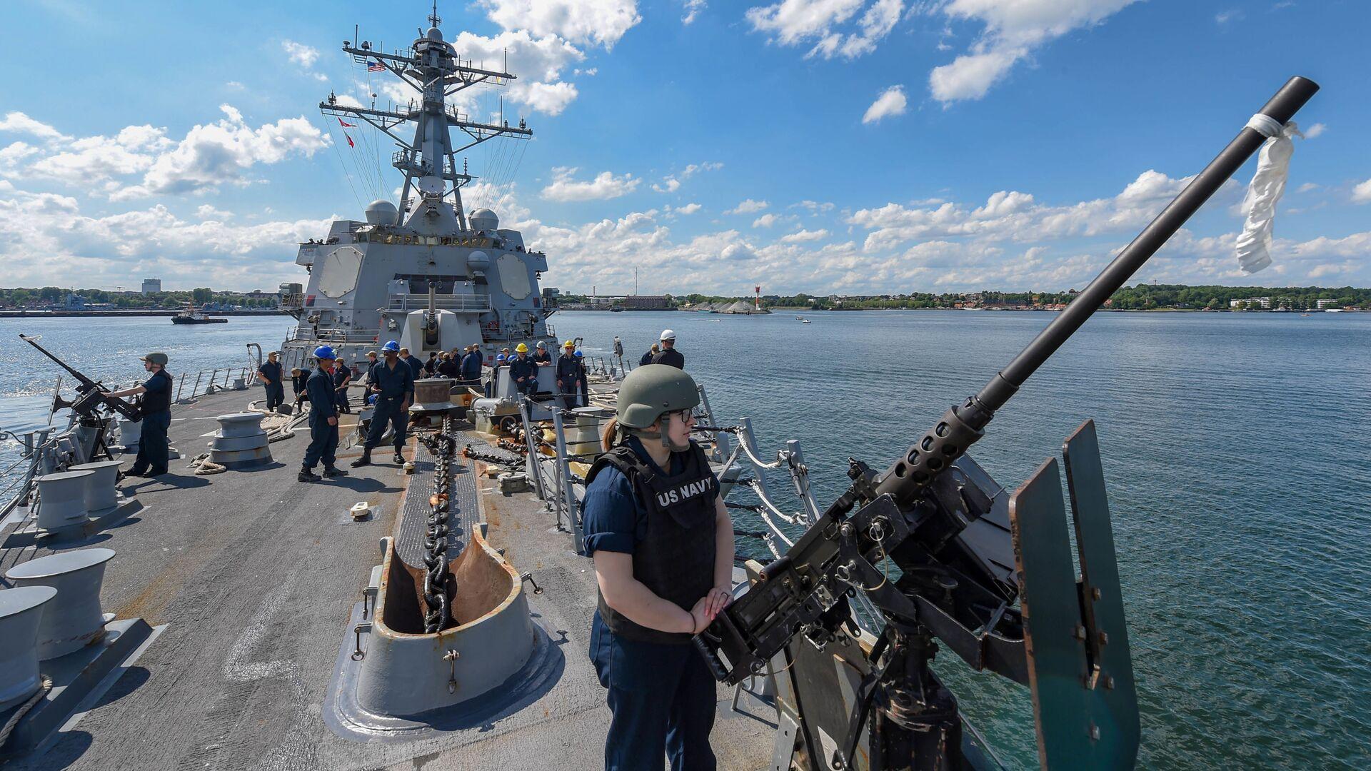 Ракетный эсминец USS Gravely отправляется из Киля (Германия) для участия в учениях НАТО BALTOPS - 2019, 9 июня 2019 года - Sputnik Латвия, 1920, 06.06.2021