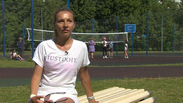 Почему бегунья без зрения не боится упасть на дистанции - видео - Sputnik Latvija