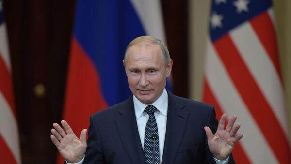 Президент РФ Владимир Путин в Хельсинки - Sputnik Latvija