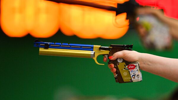 II Европейские игры. Пулевая стрельба. Пневматический пистолет - Sputnik Латвия
