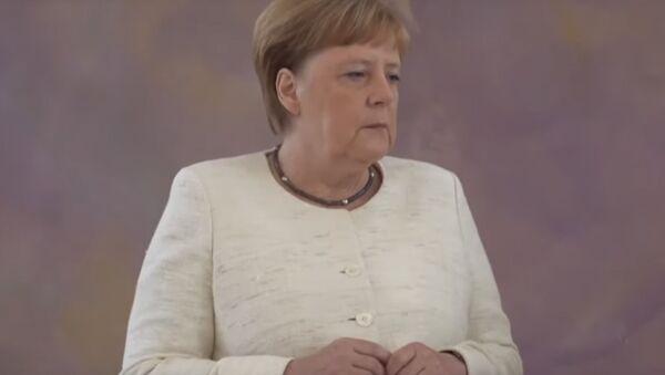 Меркель снова стало плохо на официальном мероприятии - Sputnik Латвия