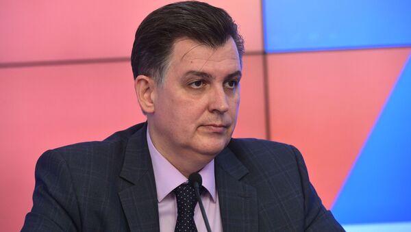 Украинский политолог Александр Дудчак - Sputnik Латвия