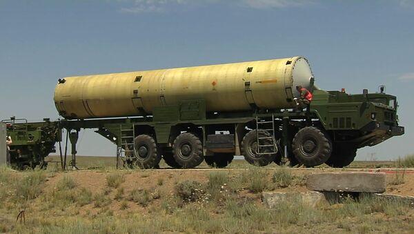 Принципиально другая: в России испытали новую ракету ПРО - видео - Sputnik Latvija