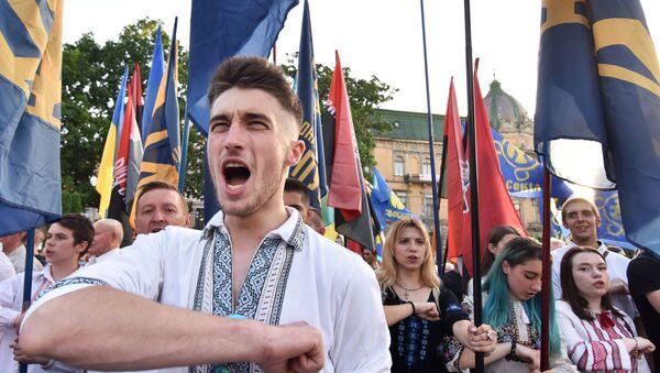 Марш в вышиванках во Львове - Sputnik Латвия