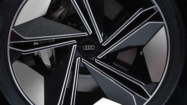 Логотип компании Audi  - Sputnik Латвия