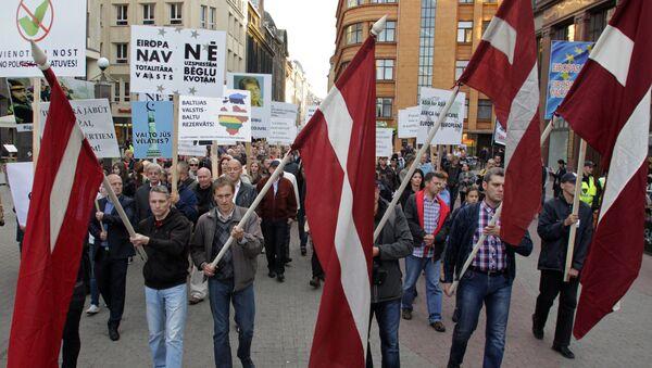 Viņi neko mums nedod: bēgļi par dzīvi Latvijā - Sputnik Latvija